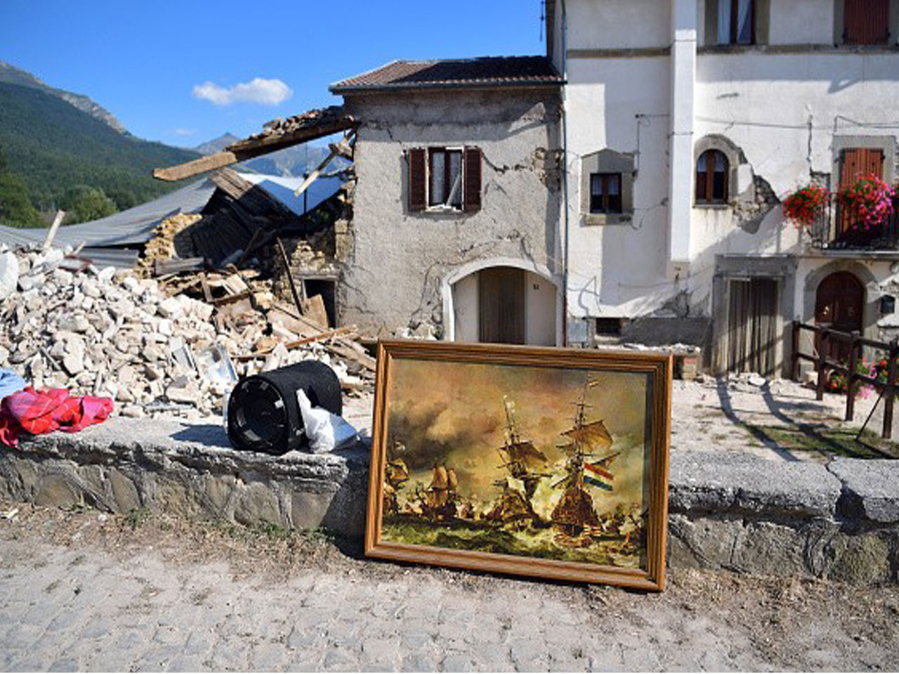 Italy earthquake relief efforts